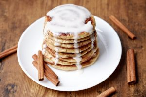 cinnamon swirl greek yogurt pancakes