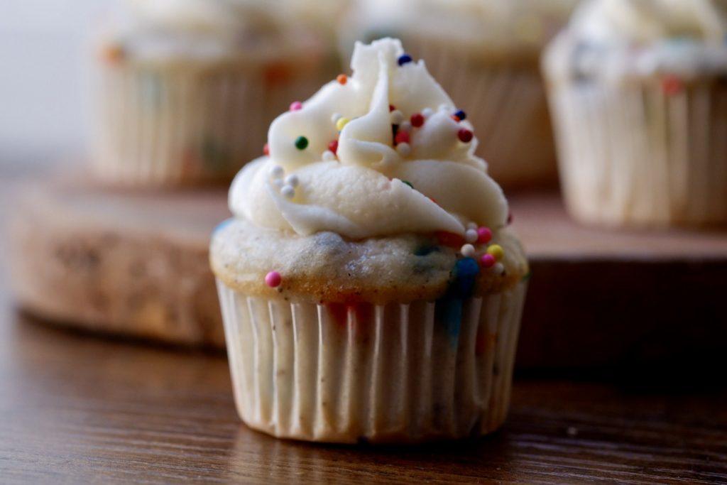 healthier funfetti cupcakes