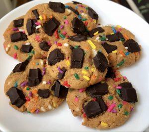 gluten free peanut butter chocolate chunk cookies